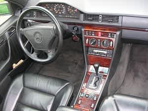 Oldtimer Top 10: Mercedes-Benz E500 (W124) Innenausstattung - Foto